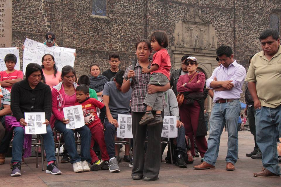 """""""Somos la voz de nuestros muertos"""" Testimonios de Nochixtlán en Tlatelolco."""